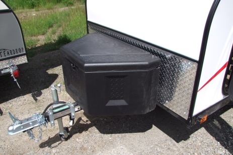 Lockable poly tongue tool box 36w x18t